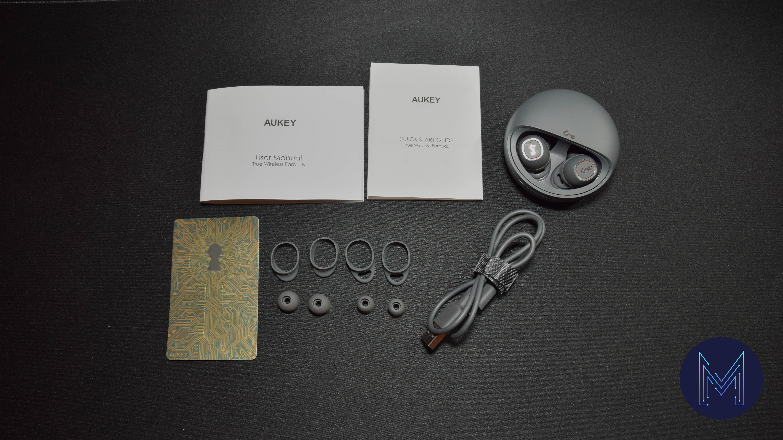 câble, embouts écouteurs et documentation écouteurs Aukey EP-T10