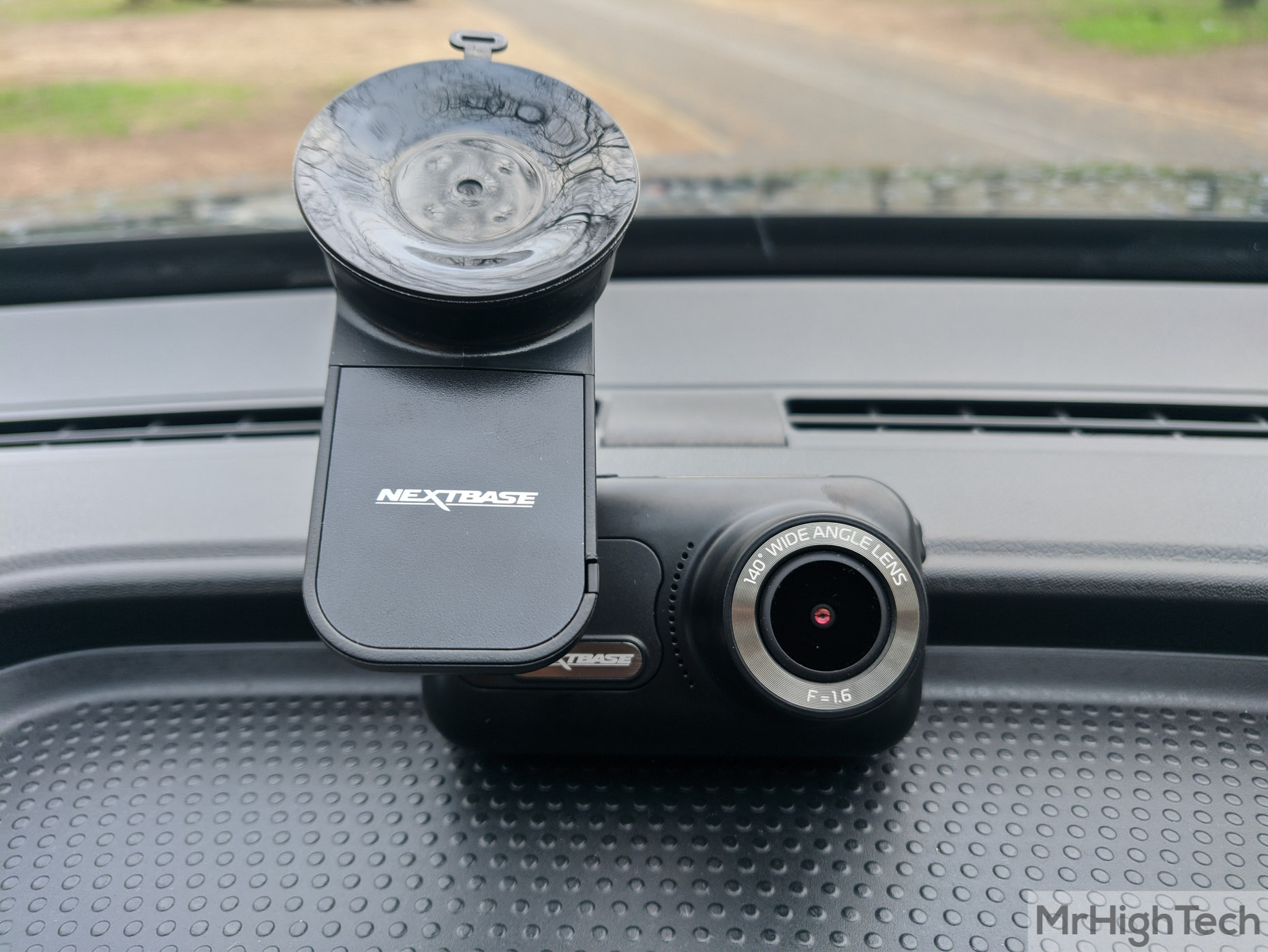 Angle de Vision de 140 /° Cam/éra DVR HD 1080p // 30 IPS Wi-FI et Bluetooth Modules denregistrement Avant et arri/ère GPS Nextbase 322GW Cam/éra Dash SOS Emergency